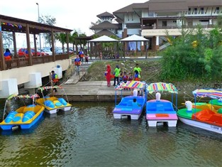 Tok Aman Bali Beach Resort Located In Kota Bahru